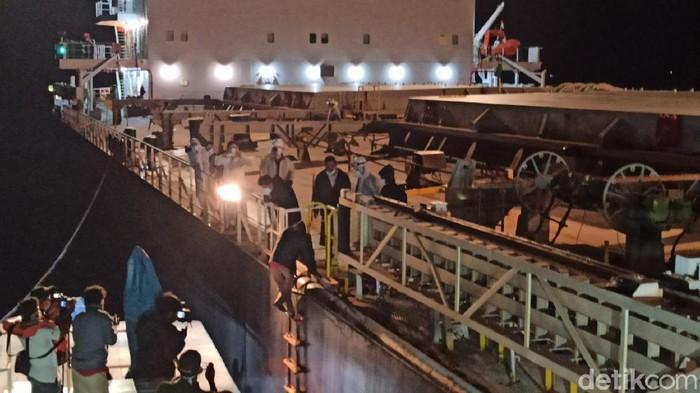 4 Nelayan Sumut Diselamatkan Usai 12 Jam Terapung di Laut