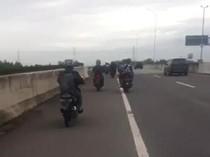 Jalan Medan-Binjai Terendam Banjir, Pengendara Motor Masuk Jalan Tol