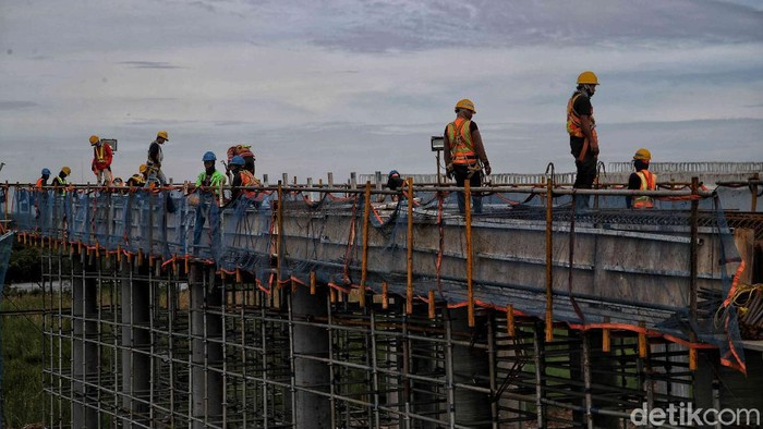 Pembangunan Jalan Tol Cibitung-Cilincing (JTCC) terus berlangsung. Proyek jalan tol tersebut pun ditargetkan dapat beroperasi pada 2021 mendatang.