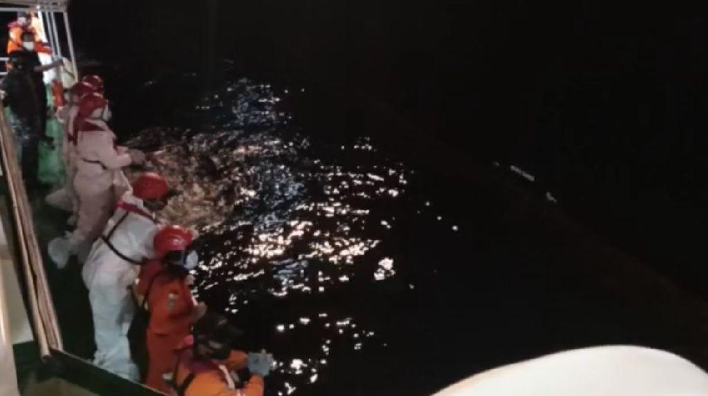 12 Jam Terapung, 4 Nelayan Asal Sumut Selamat Usai Kapal Tenggelam