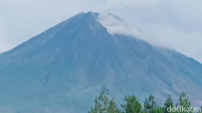 gunung semeru usai 3 hari meletus