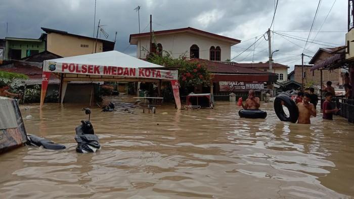 Kondisi di kawasan Gang Merdeka, Medan, pukul 13.35 WIB (Ahmad Arfah-detikcom)