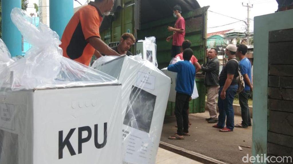 KPU Prioritaskan Distribusi Logistik ke 8 Kecamatan di Cianjur Selatan