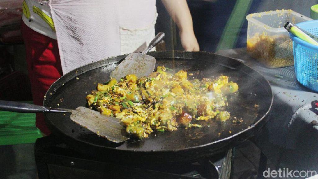 Kulineran Malam yang Seru di Pasar Modern Paramount