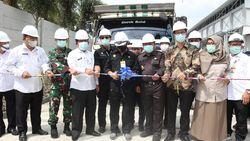 Mentan Lepas Ekspor Perdana 4 Ton Larva Kering Riau ke Inggris