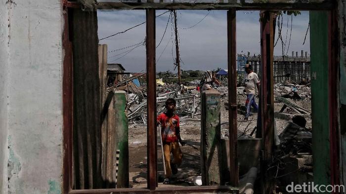 Sejumlah rumah warga di Kampung Sawah, Semper Timur, Jakut, tergusur imbas proyek pembangunan tol. Kawasan itu menjadi bagian pembangunan tol Cibitung-Cilincing