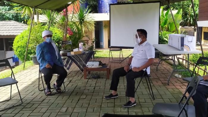 Moeldoko dan Aa Gym di Eco Pesantren Daarut Tauhid.