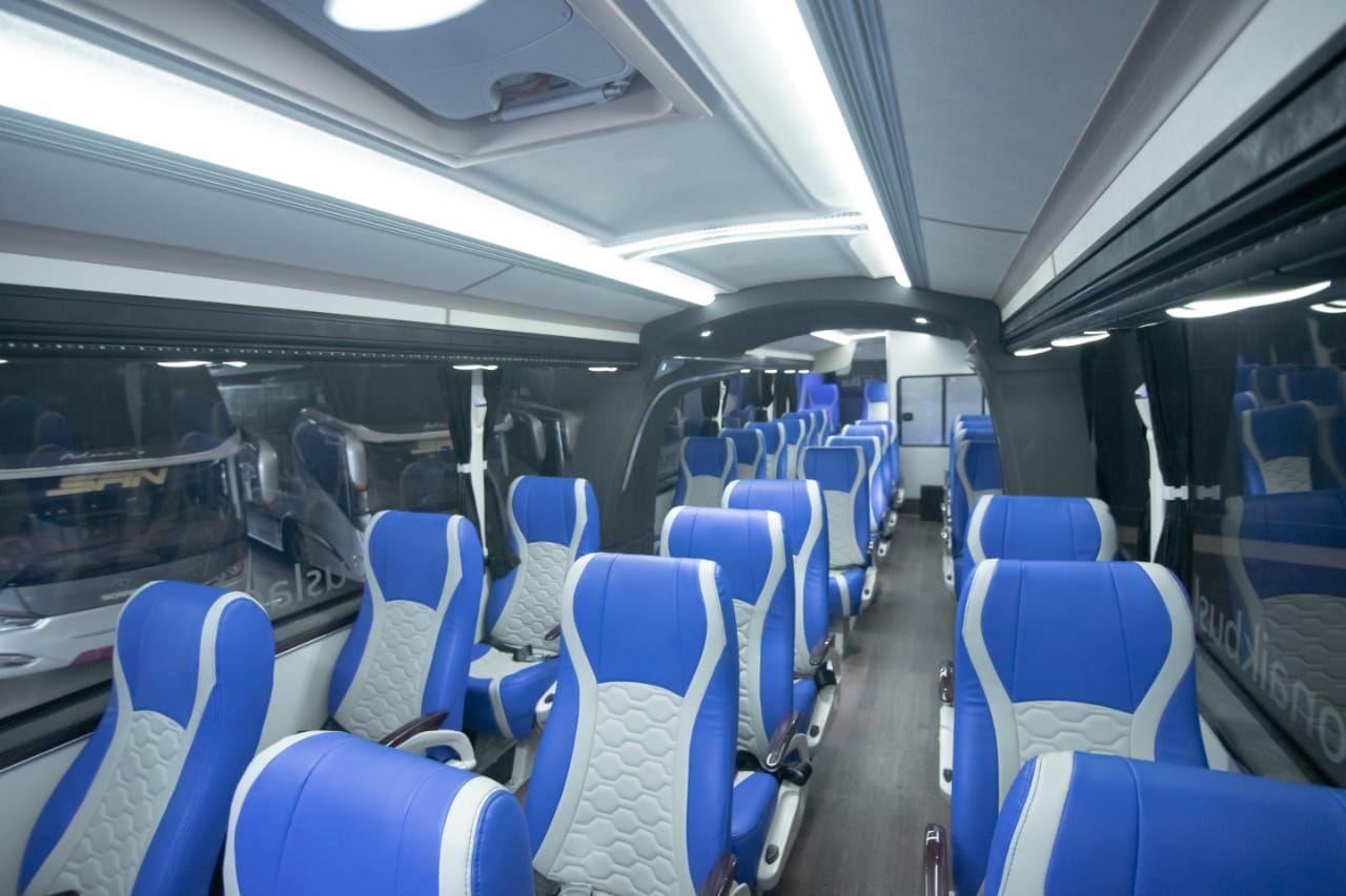 Produk bus social distancing terbaru Laksana