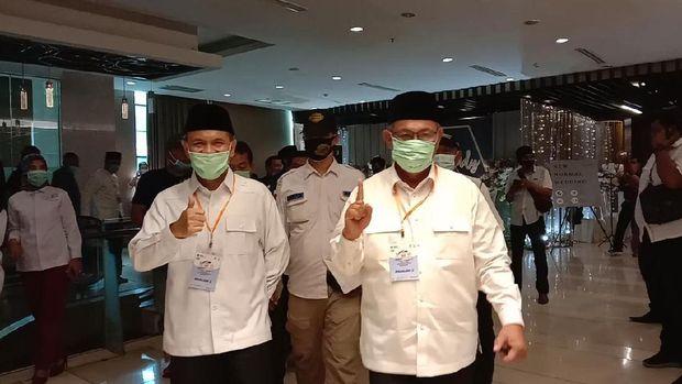Akhyar dan Salman saat tiba di lokasi debat Pilkada Medan (Ahmad Arfah-detikcom)