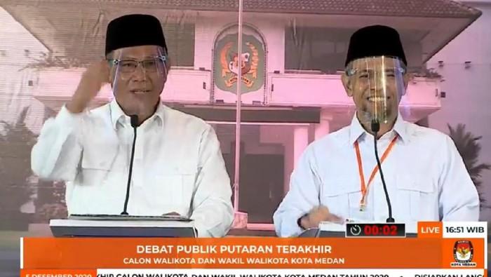 Akhyar Nasution dan Salman Alfarisi saat debat Pilkada Medan (dok. Facebook KPU Medan)