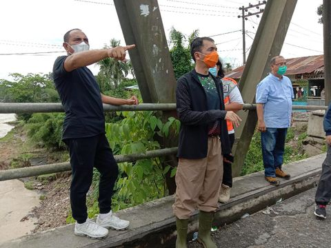 Gubsu Edy Rahmayadi meninjau banjir di Medan