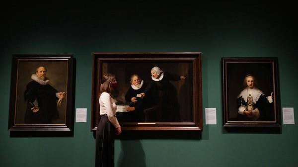 Koleksi Kerajaan lukisan karya Titian, Rembrandt, Rubens, Vermeer, Van Dyck, dan Canaletto akhirnya dipamerkan untuk pertama kalinya di galeri.