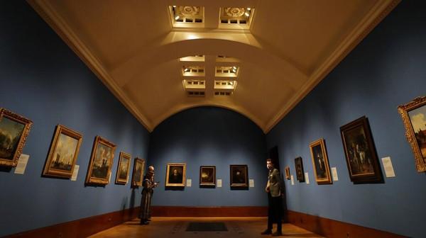 Secara total, ada 65 lukisan mahakarya yang dipajang untuk diperlihatkan kepada publik dalam pameran ini.
