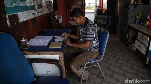 Total Bahtiar memiliki sekitar 30 kamar. Yang memiliki pendingin udara atau AC ada 17, 10 yang hanya dilengkapi kipas dan sisanya dipakai oleh Bahtiar dan keluarganya. Untuk opsi pembayaran, Bahtiar menerima uang secara tunai mau pun transfer bank. BRI pun dipakai oleh Bahtiar selaku nasabah sejak lama.