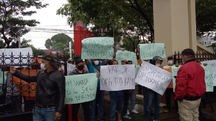 liansi Bugis Makassar Bersatu (ABMB) melakukan aksi unjuk rasa