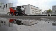 Mobil Ini Bikin Kawasan Gedung DPR Makin Kinclong