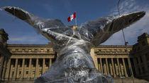 Monumen Bersejarah Peru Dilapisi Plastik, Ada Apa?