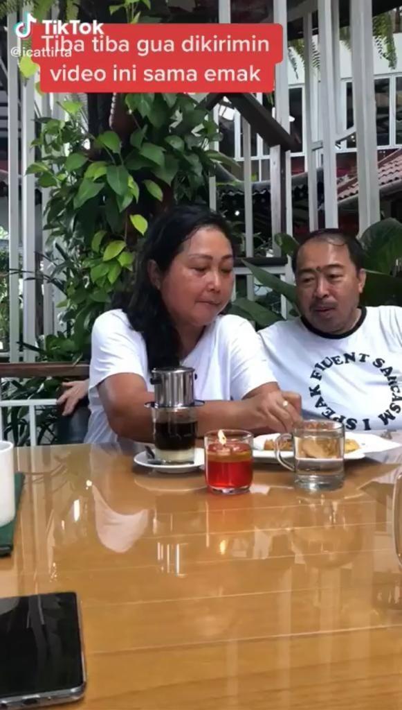 Ngakak! Bapak Ini Gombalin Istrinya yang Mau Minum Kopi Vietnam