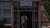 Pensiunan Guru Ini Jadi Pionir Pendiri Penginapan di Rupat