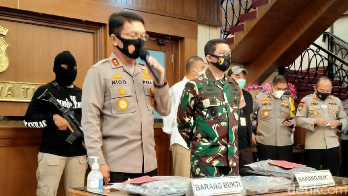 Polisi Tangkap Pria Pamekasan yang Ancam Bunuh Mahfud Md Saat Geruduk Rumah Ibundanya