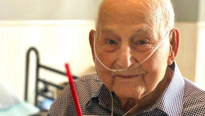 Pria 104 tahun sembuh dari COVID-19