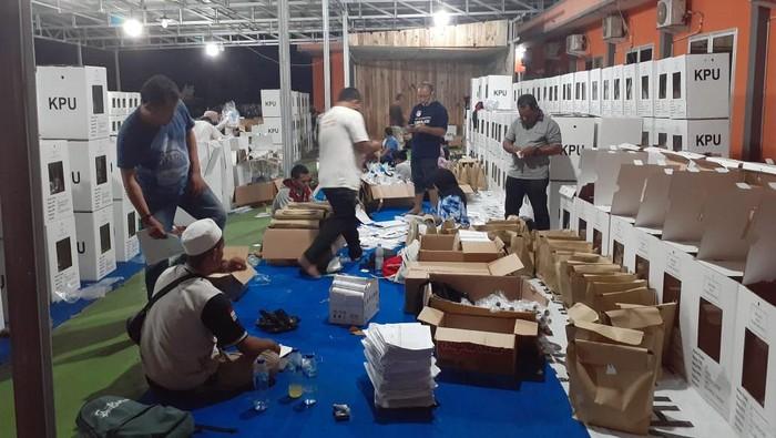 Distribusi logistik Pilkada Sigi