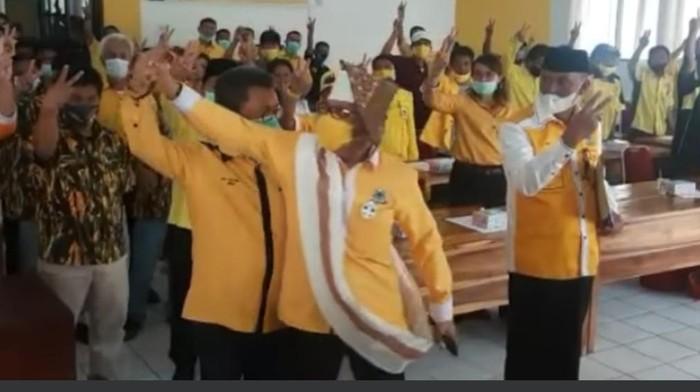 Ketua DPD I Golkar Sulsel Tegur Kader yang Tak Kompak saat Foto Bersama