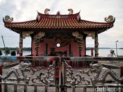 Melihat Lebih Dekat Kelenteng Tertua di Pulau Perbatasan Rupat