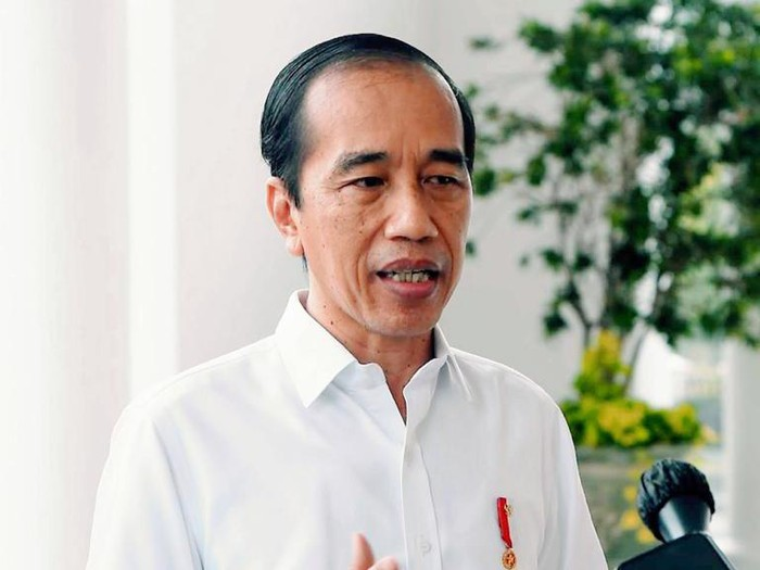 Presiden Joko Widodo menyampaikan keterangan pers terkait penetapan Menteri Sosial Juliari P. Batubara sebagai tersangka