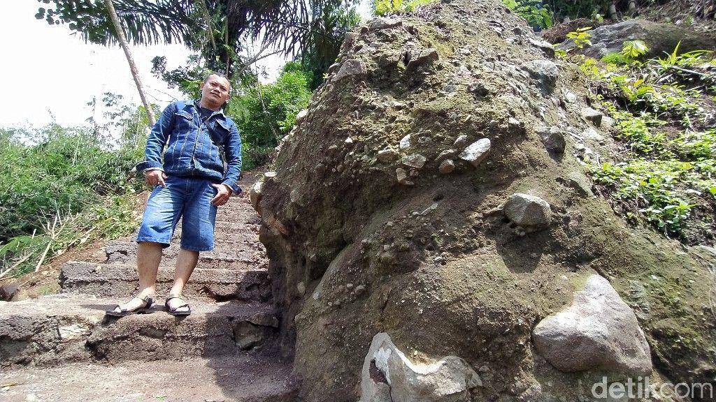 Puncak Batu Walet di Ciamis