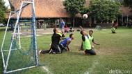 Semangat Penyandang Disabilitas Berolahraga Sepak Bola Tangan