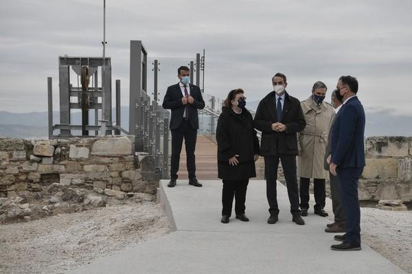 Acropolis yang merupakan Situs Warisan Dunia UNESCO saat ini ditutup karena pandemi COVID-19. Situs itu diperkirakan akan kembali dibuka setelah lockdown dicabut pada 14 Desember 2020.