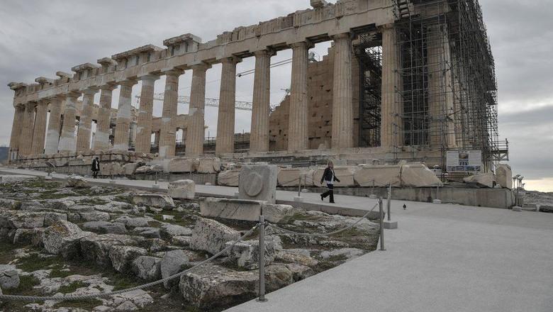 Acropolis yang Makin Ramah Difabel