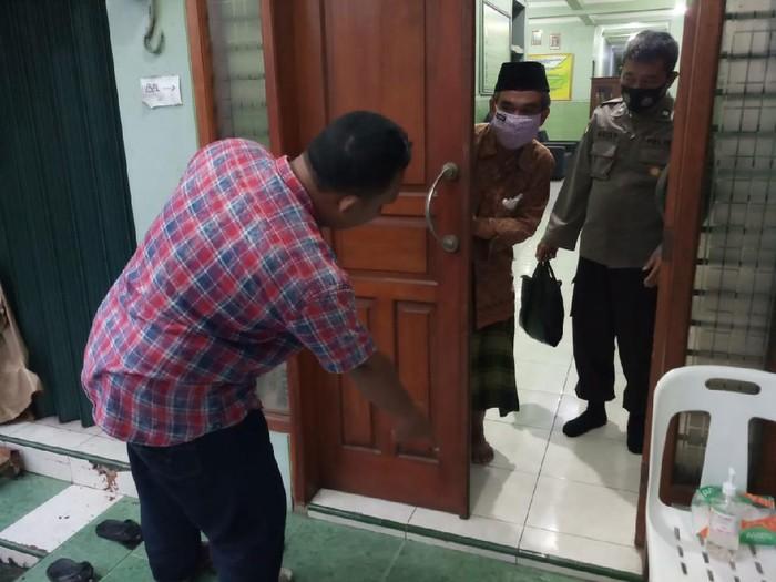 Lokasi penemuan bayi perempuan di depan Panti Asuhan di Kudus, 7/12/2020