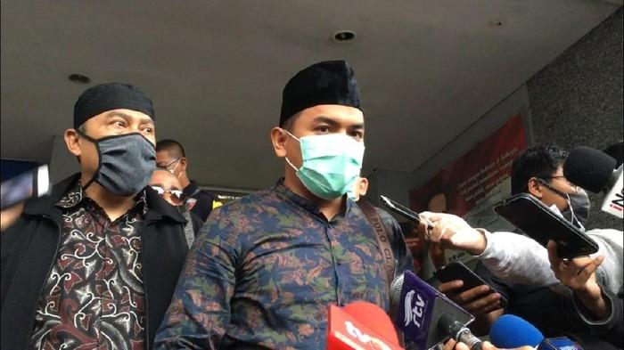 Pengacara sampaikan Habib Rizieq tak bisa penuhi panggilan karena masih pemulihan
