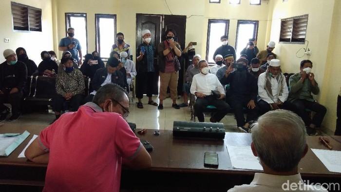 Aliansi Umat Kota Makassar mendatangi DPRD Sulsel merespons insiden penembakan anggota FPI di Jakarta (Hermawan-detikcom).