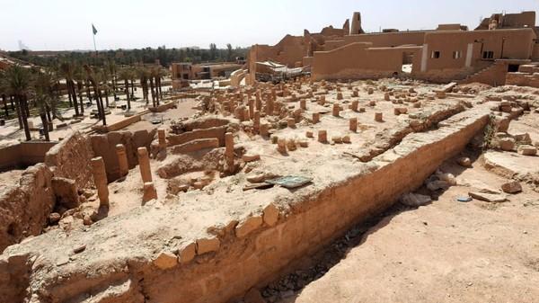 Ini adalah Distrik At-Turaif, situs UNESCO yang dulunya adalah jantung dinasti Arab Saudi. Benteng ini ditaksir sudah ada dari abad ke-15. (Fayez Nureldine/AFP/Getty Images)