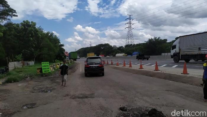 Exit rest area Tol Jakarta-Cikampek km 50