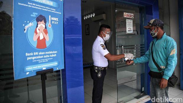 Saat ini Bank BRI di Rupat merupakan  salah satu bank yang sangat berpengaruh di roda perekonomian di Rupat, Bengkalis, Riau.