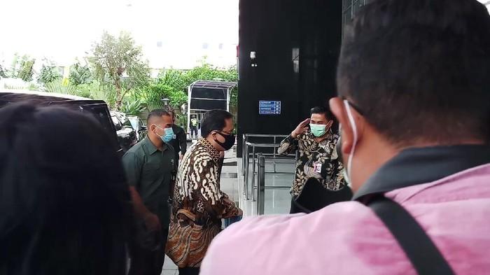 Ketua BPK Dipanggil Jadi Saksi Kasus SPAM, Deputi Penindakan KPK Sambut di Lobi
