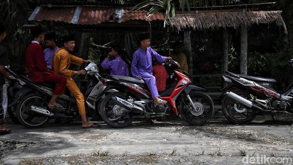 Kampung Jawa ini merupakan salah satu perpaduan budaya di Tanah Melayu Rupat dengan tidak menghilangkan ciri khas masing-masing budaya tersebut.