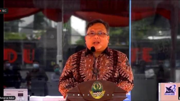 Menristek serahkan sejumlah inovasi penanganan Corona ke Ridwan Kamil