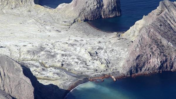 Para ahli mengidentifikasi erupsi gunung tersebut sebagai erupsi freatik; pelepasan uap dan gas vulkanik yang menyebabkan ledakan serta meluncurkan batu dan abu vulkanik ke udara.