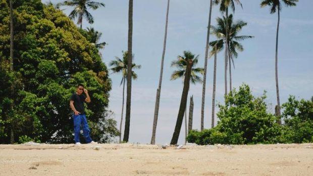 Pulau di Morowali.