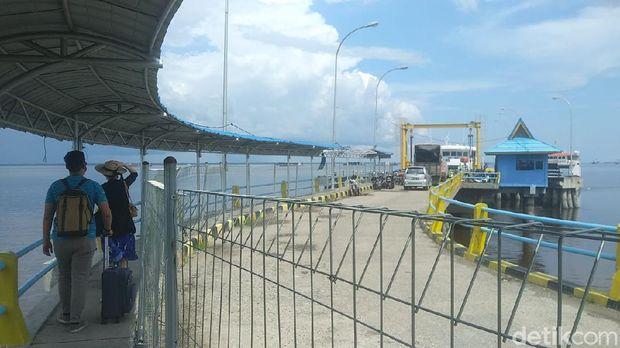 Kapal Roro menuju Rupat.