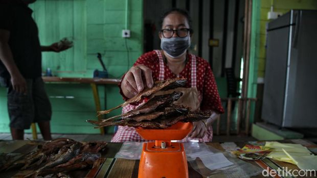 Dalam kegiatan Tapal Batas di Pulau Rupat, Bengkalis, Riau, detikcom melakukan sebuah perbincangan dengan Ali Musa. Sang jutawan dari ikan asap atau ikan salai.