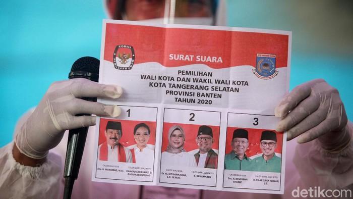 Penghitungan suara Pilakda Tangereng Selatan dimulai. Salah satunya di TPS 46, Pakujaya, Serpong Utara. Ini foto-fotonya.