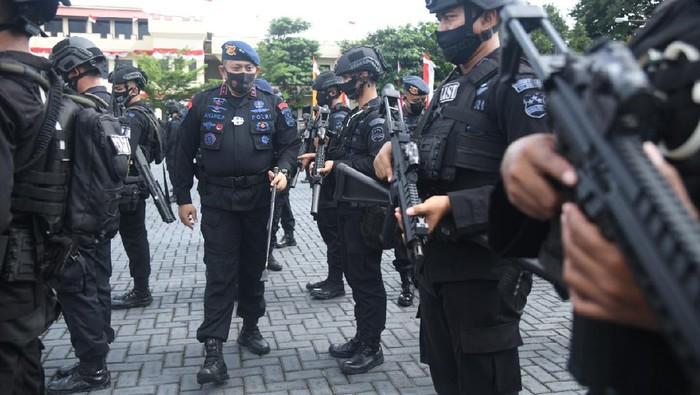 Dankor Brimob Irjen Anang Revandoko pimpin gelar pasukan dalam rangka merespons arahan Kapolri pasca penembakan 6 laskar FPI