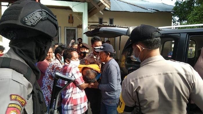 Pemilih di Palu yang meninggal di TPS dievakuasi
