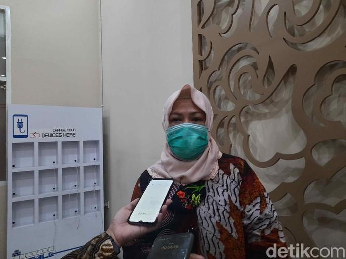 Kepala Disbudpar Kota Surabaya Antiek Sugiharti